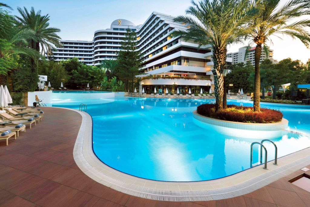 Pool - Rixos Dowtown Antalya - Medworld Clinic